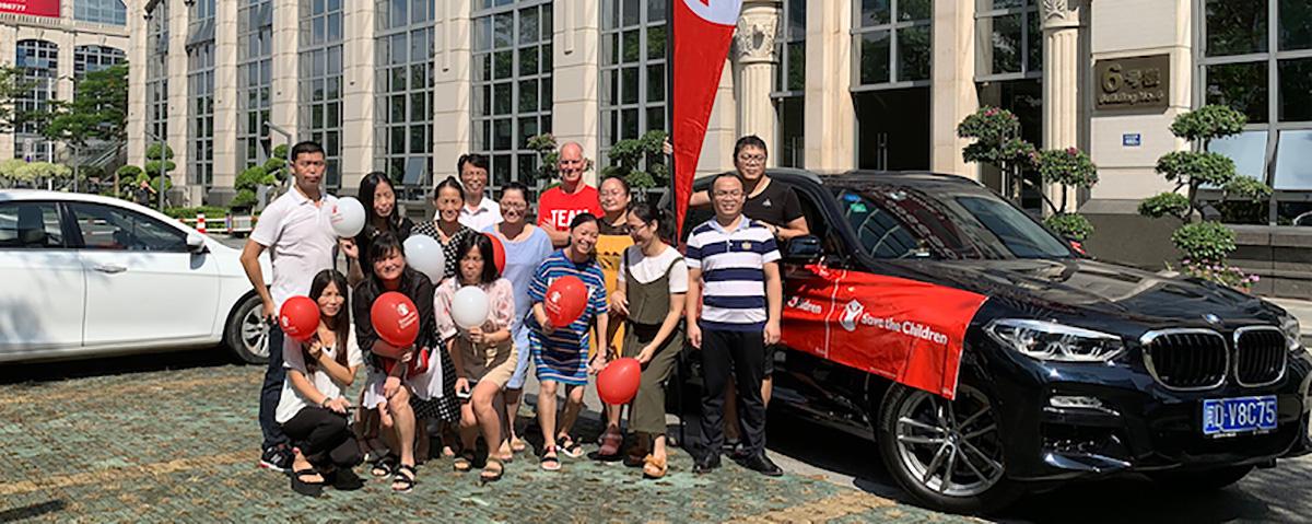 Mark Howard devant nos bureaux chinois à Xiamen